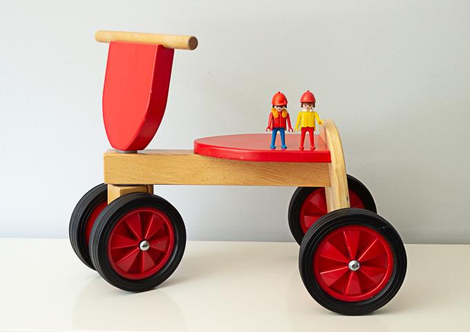 Vintage houten loopfietsje
