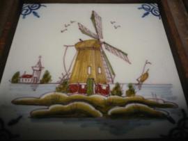Tegel met Hollandse molen, Makkum