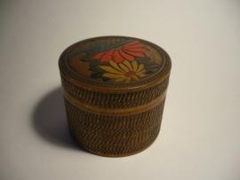 Deksel doosje van hout, bloem motieven