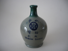 Japan shoyu kruikje
