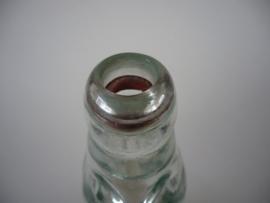 Flesje, kogel of knikker fles