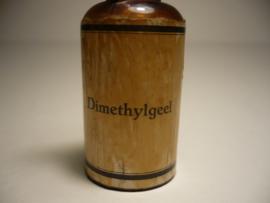 Flesje 'Dimethylgeel'