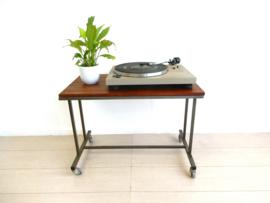retro vintage bijzettafel tafel jaren 60 audiomeubel lp kast