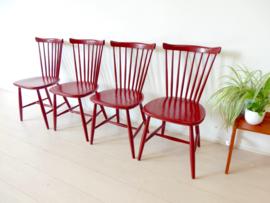 retro vintage stoel spijlenstoel pastoe nesto Yngve Ekström SH41