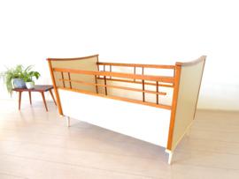 retro vintage babybed ledikant bed jaren 50 / 60