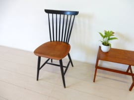vintage stoel spijlenstoel jaren 60 Tapiovaara pastoe stijl