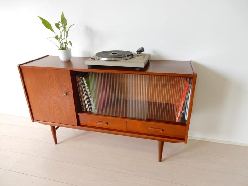 Verrassend Vintage dressoir kast lp kast jaren 60 | Sold Kasten | viking-vintage CD-05