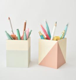 Houten pennenbakje