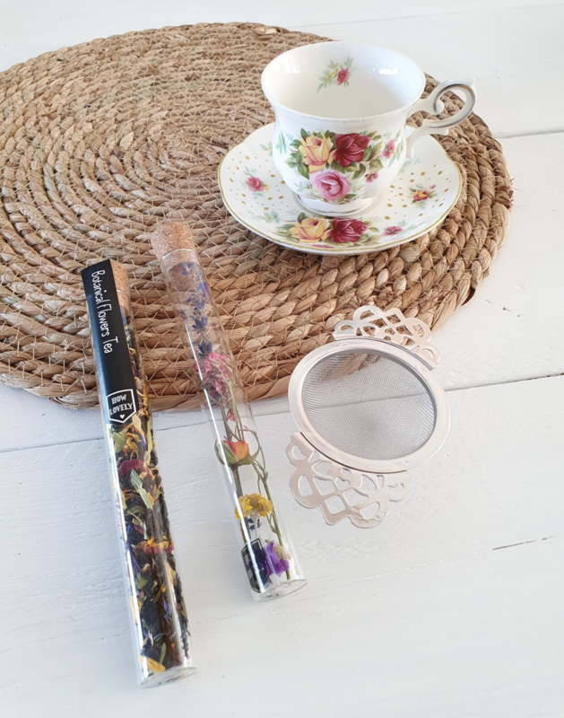 Verwenmomentje  Flowers & Tea