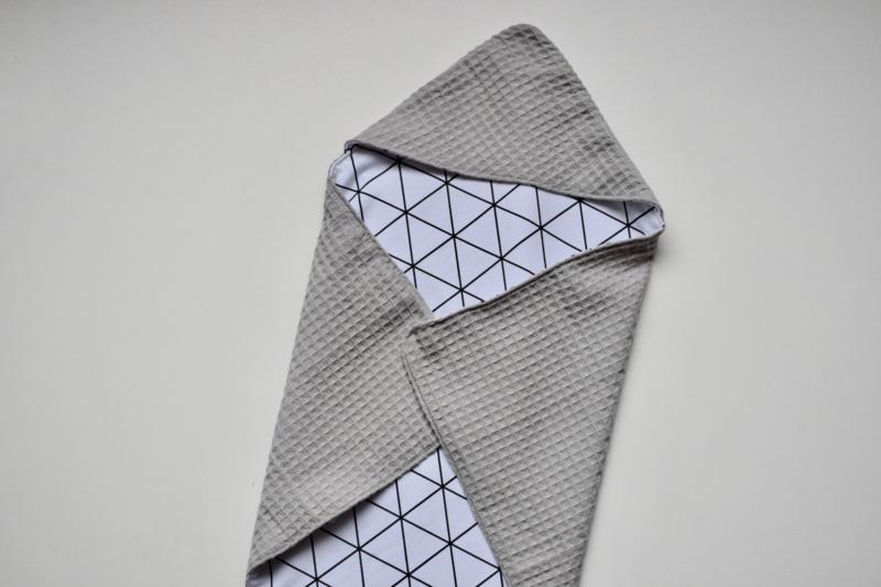 MiNi omslagdoek   grijze wafel - driehoekjes