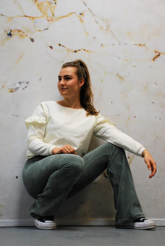 Sweater ruffel gebroken wit
