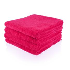 Handdoek fuchsia met naam (50x100 cm)