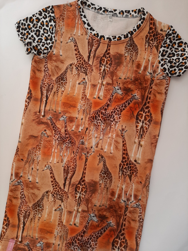 Bonte giraffen jurk