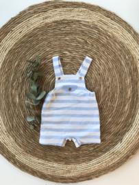 Stoer tuinbroekje van Mac Ilusion in het lichtblauw met wit. 3-12 maand