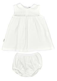 Prachtig zacht jurkje van Babidu  met bijpassend luierbroekje in de kleur wit.