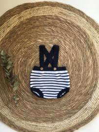 Lief gebreid galgenbroekje van Mac Ilusion in het donkerblauw met wit. 0 maand - 12 maand