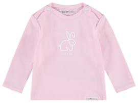 Fijn Noppies shirtje in het roze met een konijntje.