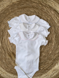 Mooie romper van Valentina Bebes in het wit.