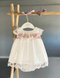Prachtige uitgewerkte jurk van Valentia bebes in het Offwhite.