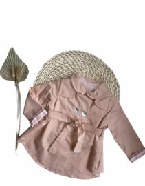 Prachtige Valentina Bebes jas in de kleur Rosa Empolvado.