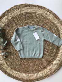 Stoere , klassieke gebreide trui van Mac Ilusion in het oudgroen.