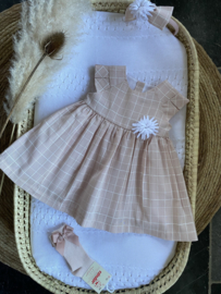 Prachtige uitgewerkte jurk van Mac Ilusion in het oudroze.