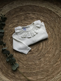 Babidu shirtje met een mooie kraag in het creme.