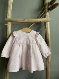 Lief gebloemd jurkje van Dr. Kid in roze tinten.