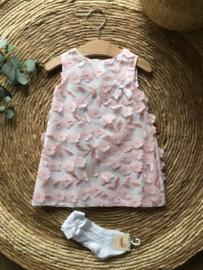 Prachtig uitgewerkt jurkje van Mac Ilusion in de kleur zalm roze
