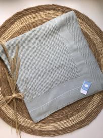 Prachtig gebreide deken van Mac Ilusion in het oudgroen.
