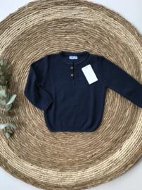 Prachtige donkerblauwe gebreide trui van Mac Ilusion.