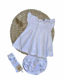 Lief zacht 2-delig katoenen jurkje van Babidu in het wit.