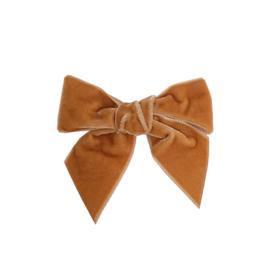 Prachtige velvet haarstrikken van Condor in de kleur Cinnamon.