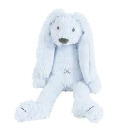 Lichtblauwe mini Richie zittend 28 cm.