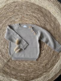 Prachtige  klassieke trui van Valentina Bebes in het zandkleur.