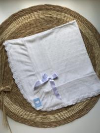 Prachtig gebreide deken van Mac ilusion in het  Blush -wit met mooie glans.