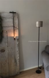 Smeedijzeren vloerlamp rond, met ronde voet