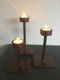 Set van 3 smeedijzeren waxinelichthouders