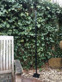 Strakke tuinkandelaar met voetplaat