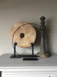 Metalen ornament /ring op voet, 30 cm