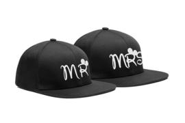 Mr & Mrs Cap geborduurd