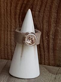 Lederen ring met steen maat 20