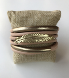 Armband roze veer