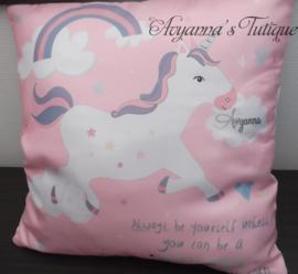Unicorn decoratieve kussenhoes met naam