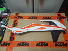 KTM SX 50 RECHTER RADIATEURKAP MODELJAAR 2017 GEBRUIKT