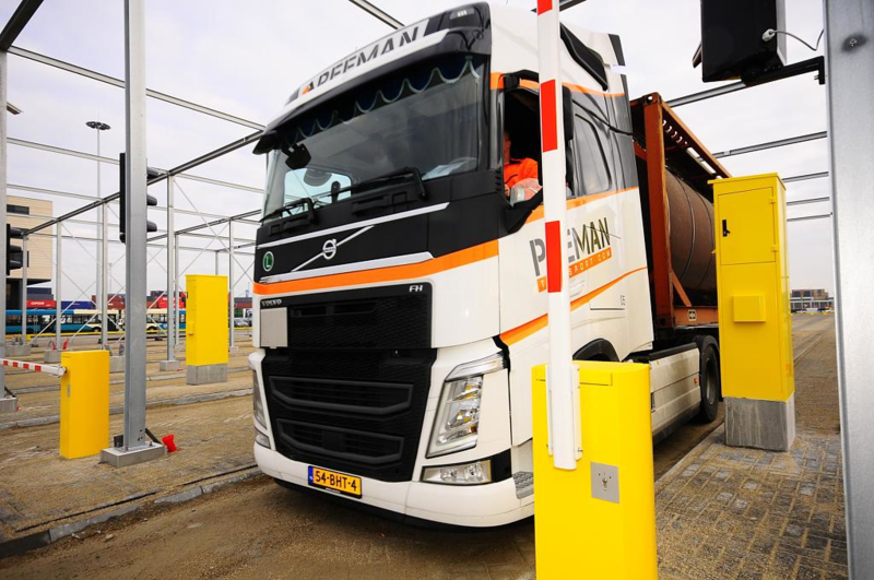 First truck at City Terminal Rotterdam