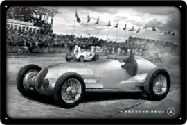 Mercedes-Benz Silver Arrow Racing .  Metalen wandbord in reliëf 20 x 30 cm.