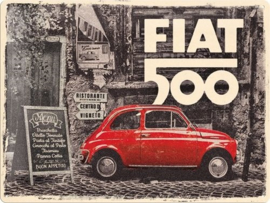 Fiat 500 Red car in the street. Metalen wandbord in reliëf 30 x 40 cm