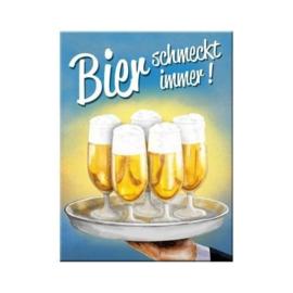 Bier schmeckt immer Koelkastmagneet 8 cm x 6 cm.