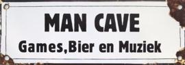 Man Cave Games Bier & Muziek
